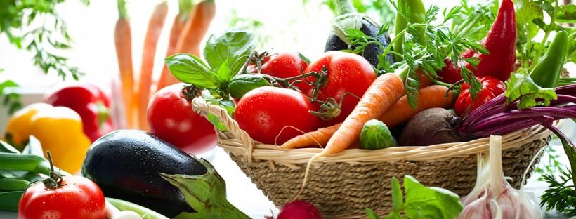 friss zöldségek a kertből